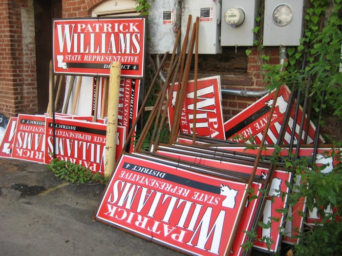 No Slogans on These Political Yard Signs